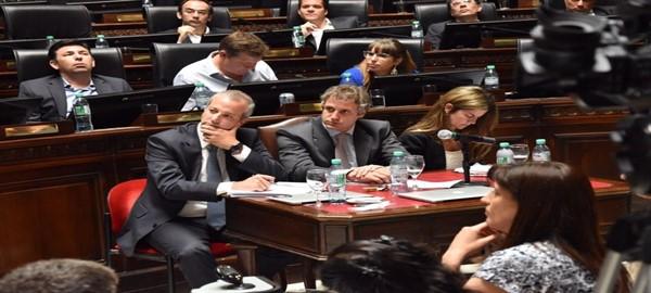 Felipe Miguel asistio a la Legisltatura a brindar su segundo informe de gestión