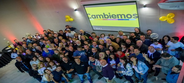 Vamos Juntos festejo en la Comuna 9 el amplio triunfo
