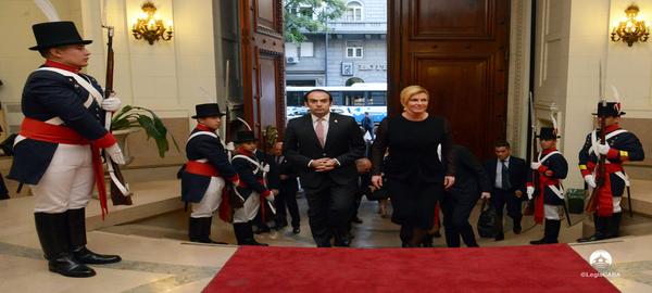 Kolinda Grabar Kitarovic ue declarada visitante ilustre de la Ciudad por la Legislatura porteña