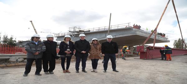 Puente Lacarra: Diego Santilli recorrio la ultima etapa de las obras