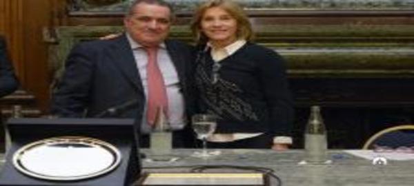 El doctor Eduardo de Santibañes fue nombrado hoy como Personalidad Destacada de las Ciencias Médicas