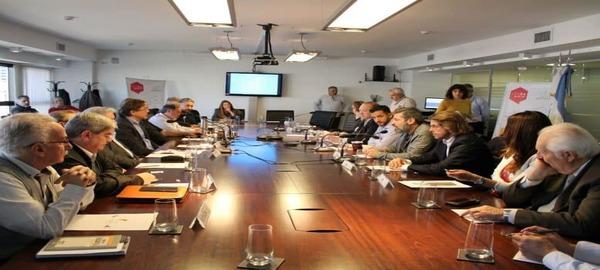 """El CESBA organizo la Jornada """"Jóvenes, primer empleo y telecomunicaciones"""""""