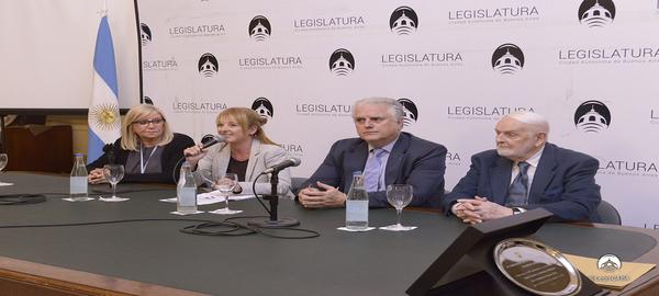 Homenaje a la Junta Central de Estudios Históricos de la Ciudad de Buenos Aires por su 50 aniversario