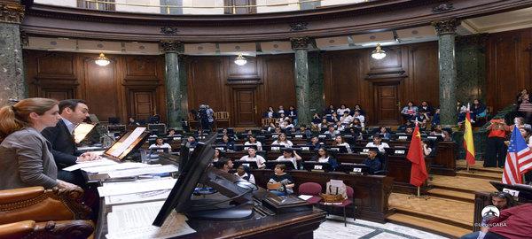 En el marco del Programa La Legislatura y la Escuela:Alumnos protagonizan sesión alusiva al G-20